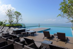 Condo with Roof top Swimming Pool