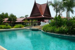 East Pattaya Five Star villa with big swimming pool and huge tropical garden for rent