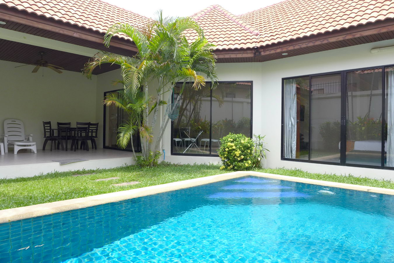 Pattaya Holiday Villa with private swimming pool Rent