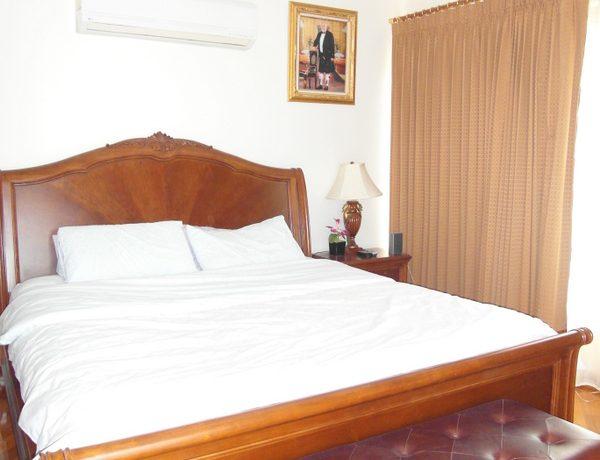 classic_bedroom_at_this_5-bedroom_phoenix_golf_pool_villa__huai_yai_1