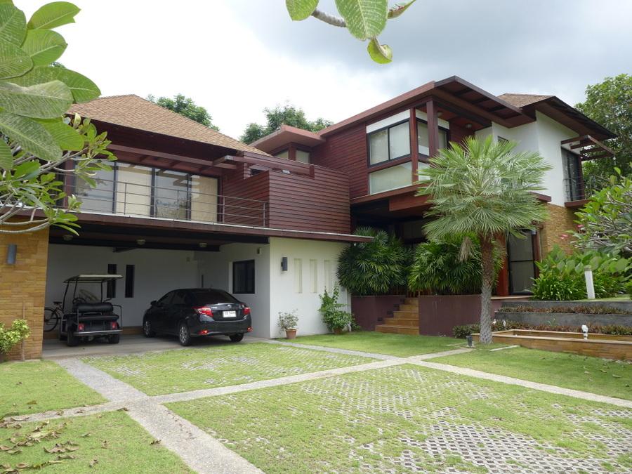 Horseshoe Point near Pattaya: 4 bedroom pool villa in award-winning estate