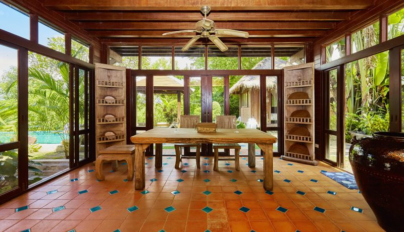inside_the_kitchen_area_1
