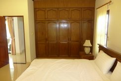 master_bedroom_with_built-in_wardrobe_1