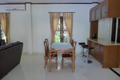 open_dining_area_between_kitchen_and_livng_area_1