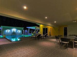 Modern 5 bedroom Swiss crafted estate on 1.600 square meters