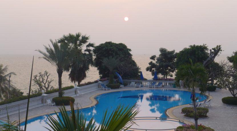 Beachfront Duplex Penthouse Wong-Amart
