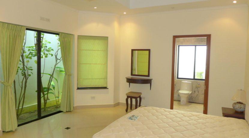 bedrooms with en-suite bathrooms