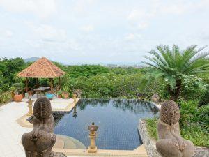 5 bedroom sea view residence in housing-estate above Bangsarae