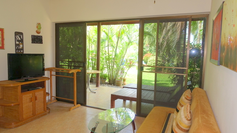 Living-room_of_a_smaller_bungalow
