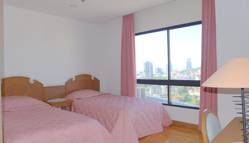 a_bedroom_with_views_across_the_buddha_hills_1