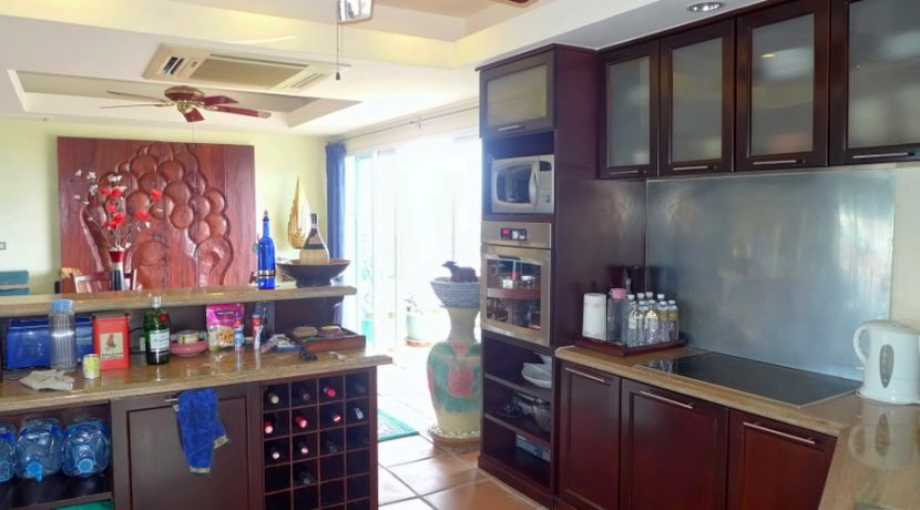 a_closer_look_to_the_kitchen_2