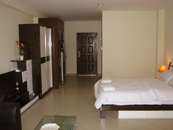 bed_area_smaller_studio_of_this_viewtalay_7_front_corner_unit__jomtien-beach_1