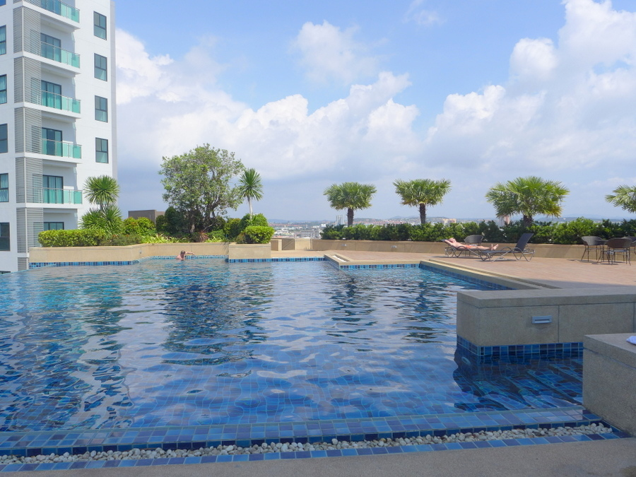New 2-bedroom sea view condo at top location, the Axis