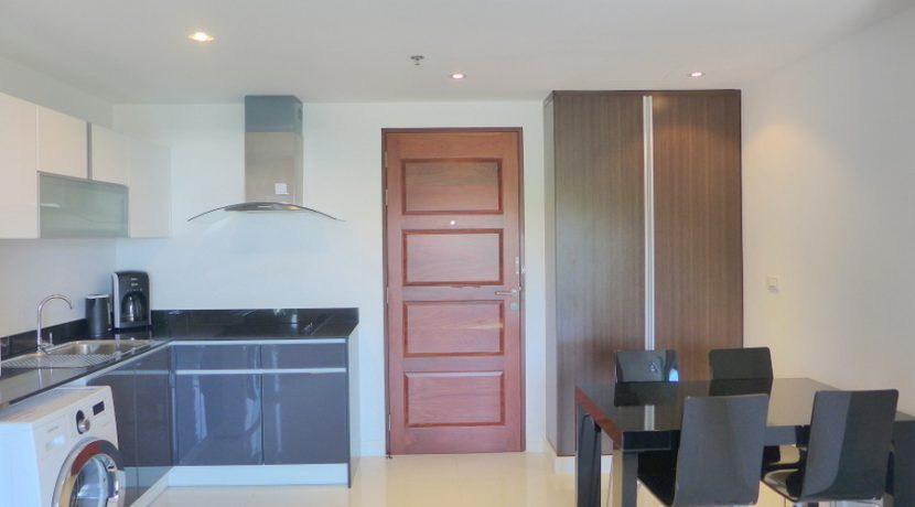 kitchen__entrance_and_dining-area_1