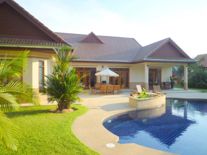 4 bedroom pool villa on 1 rai land with beautiful garden