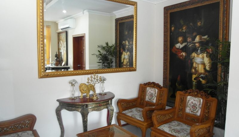 seating_corner_in_the_living_area_1