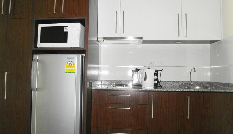 smaller_kitchenette_of_this__viewtalay_7_front_corner_unit__jomtien-beach_1
