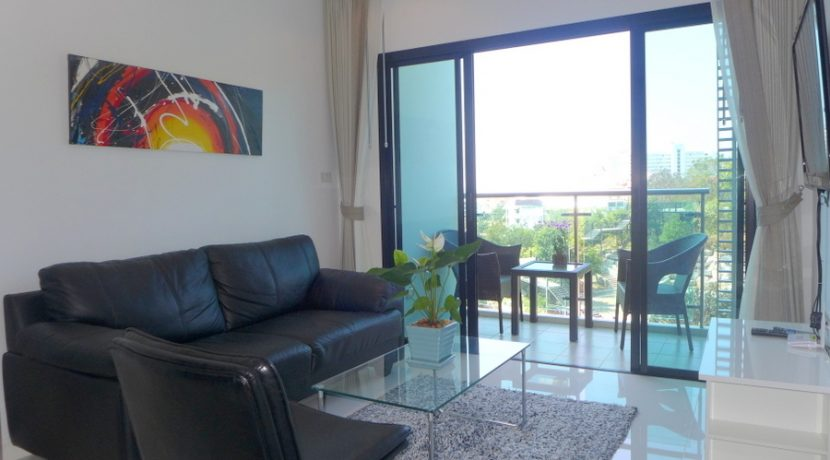 this modern apartment offers 2 bedrooms. A large master-bedroom with a chic en-suite bathroom plus the 2nd :...