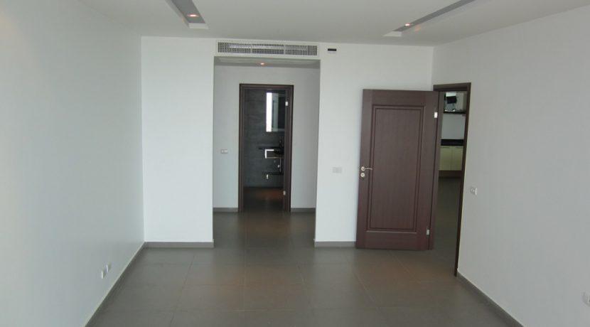 spacious 1-bedroom Pratumnak-Seaview condo