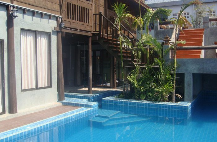 the_private_pool_at_this_this_classical_teakwood_house_in_pattaya_centre_1