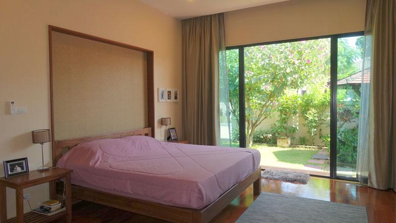 luxury 3 bedroom pool-villa in Huai Yai estate