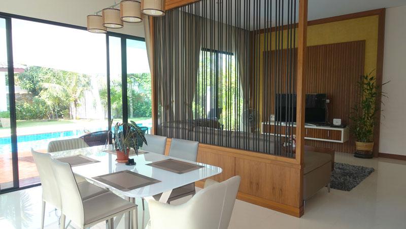 tasteful upscale villa on 852 m2 land with lush gardens