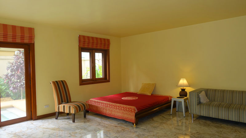 Noble colonial-style 3 bedroom pool-villa at best location