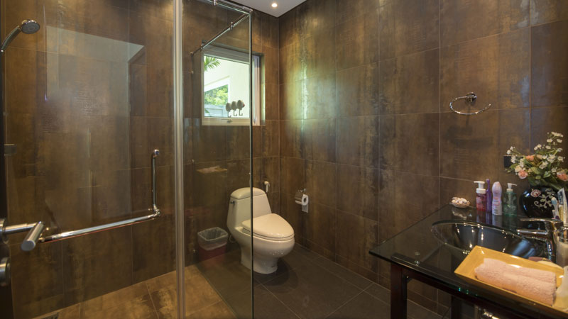 One_of_five_bathrooms