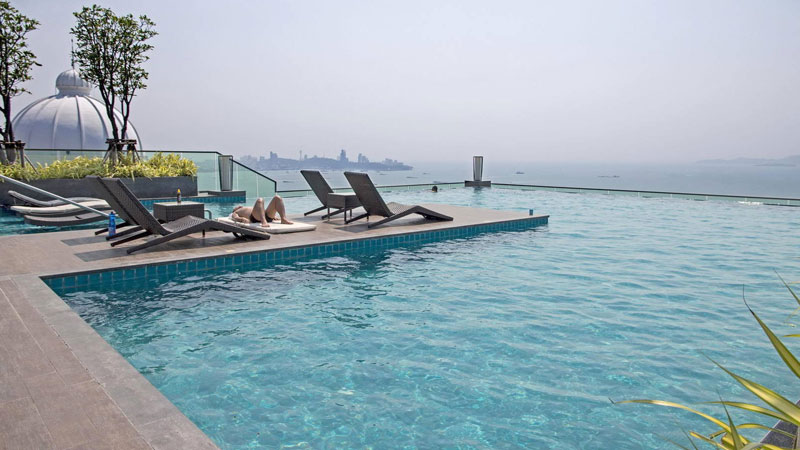 That_s_impressive_-_the_rooftop-pool