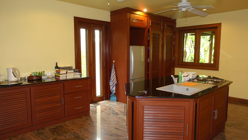 The_Western_Kitchen_in_a_separate_room