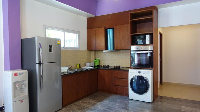 The_kitchen_also_provides_a_washing-machine