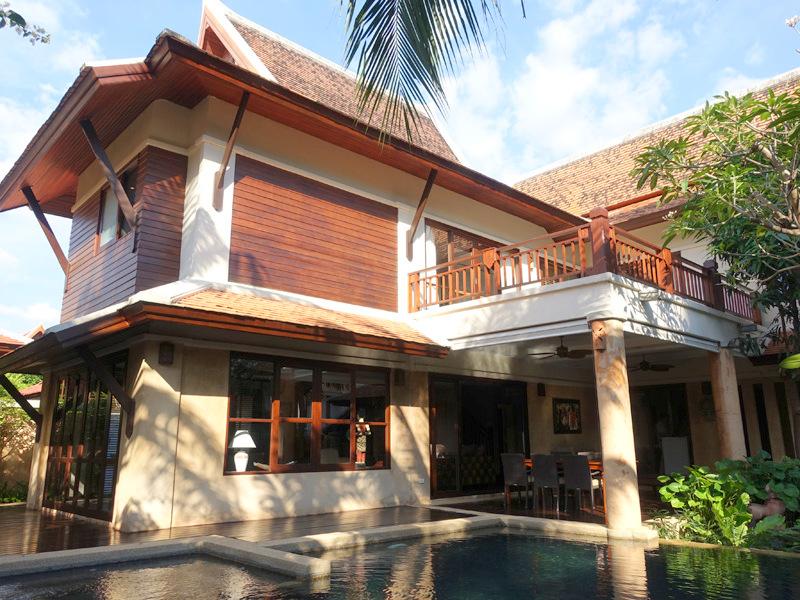 Chateau Dale: Tropical 4 plus bedroom pool villa at top Pattaya/Jomtien location