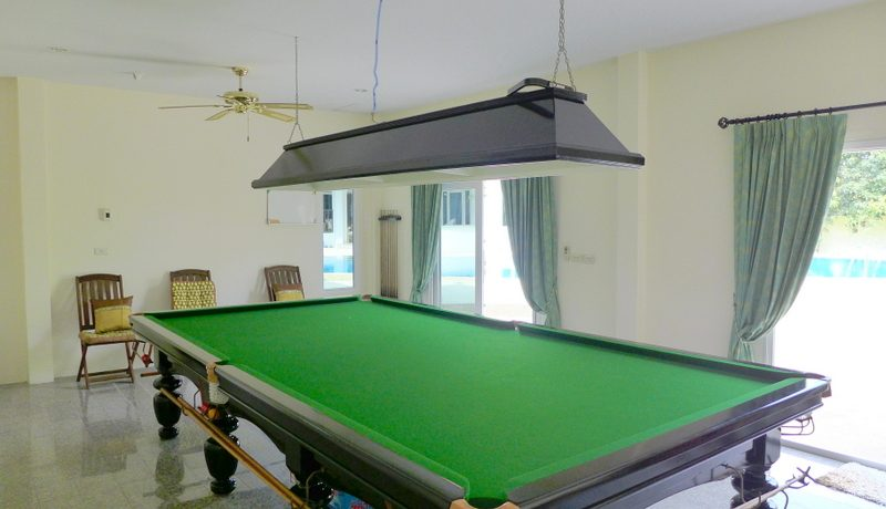 a_real_british_snooker_table_1