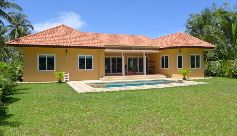 across_the_private_side_of_the_villa_1