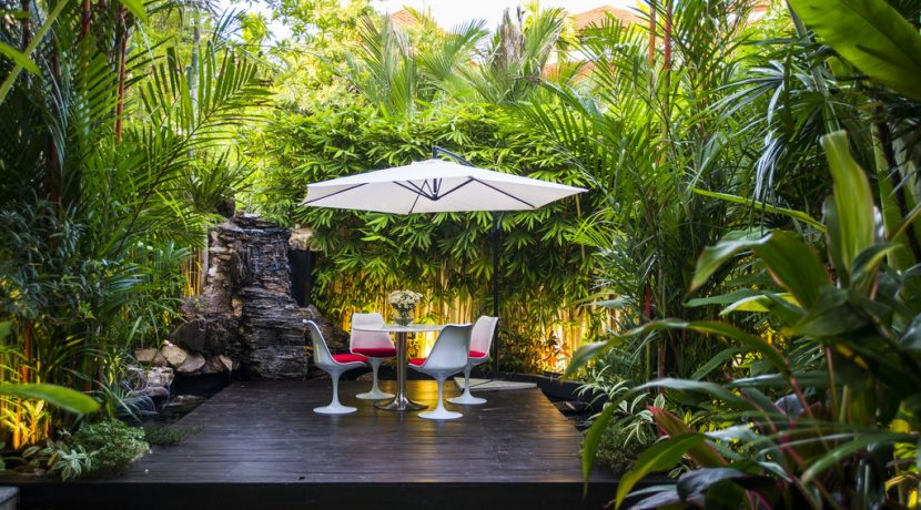 Welcome to a mesmerizing tropical estate of utmost beauty. A property that has been completely re-designed for nearly 10 Million Baht to transform it into a splendid mixture of tropical charm and practical design and technology....