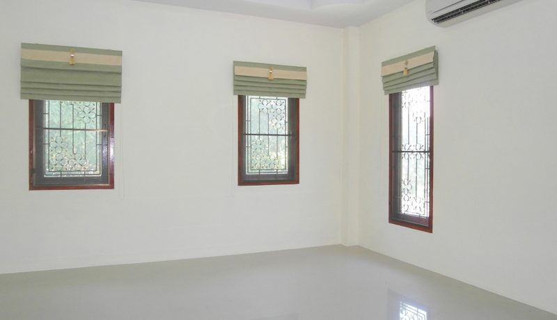 another_air_conditioned_bedroom_6