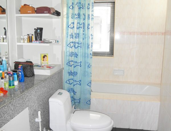another_bathroom_of_this_3-bedroom_home_at_jomtien_yacht_club_1