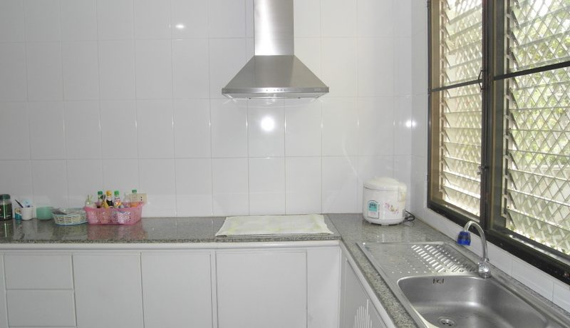 another_view_of_the_kitchen_of_this_3-bedroom_home_at_jomtien_yacht_club_1