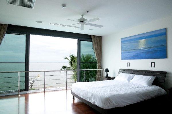 bedroom_views_at_this_2_bed_5_star_beachfront_condo__naklua_1