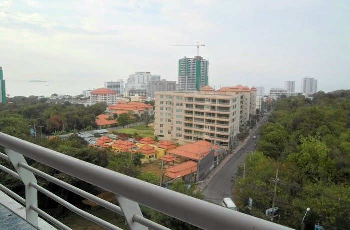 2 bedroom condo on top of Pratumnak Hill