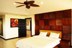 Stunning duplex penthouse condo located at Wong Amat beach