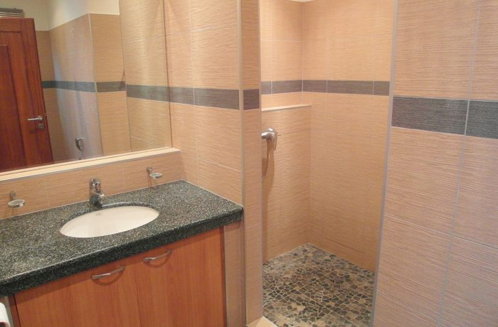 en-suite_bathroom_2