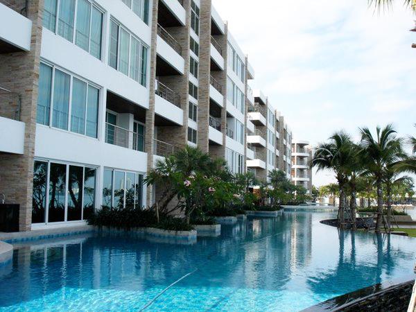 endless_pool_at_this_2_bed_5_star_beachfront_condo__naklua_1