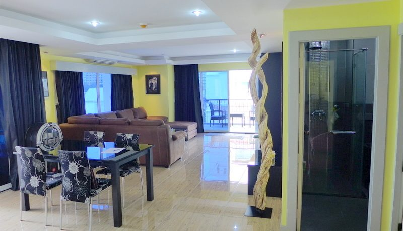 2 bathroom condo at Thepprasit/Thappraya location