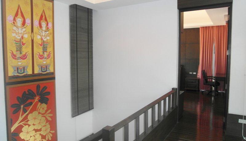Nagawari: Tropical 4 bedroom pool villa in top Jomtien resort