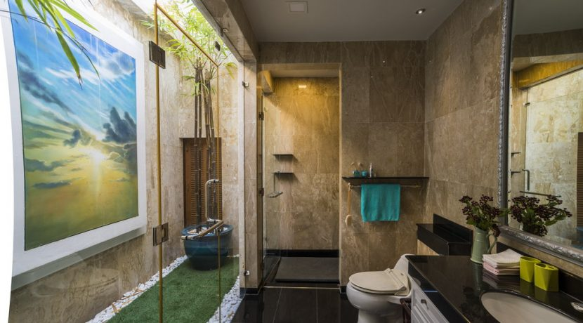 how_noble_a_bathroom_can_be_1