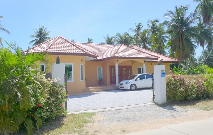this generous villa offers very spacious rooms