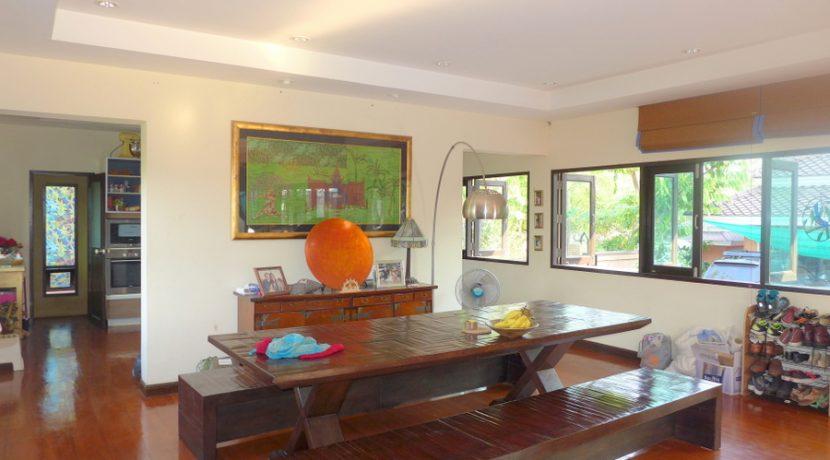 indoor_dining_2
