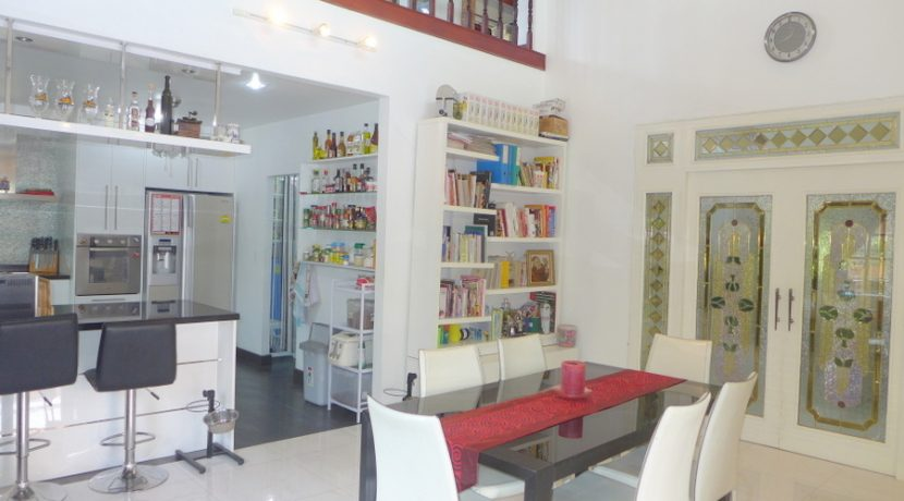 indoor_dining_area_1