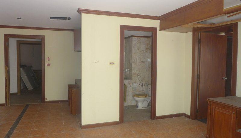 interior_of_a_guests_room_1